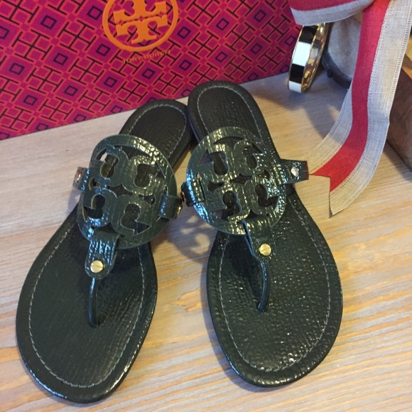 ff396d68099f LIKE NEW Tory Burch Miller Sandals. M 5a443c08077b97916f0ad349
